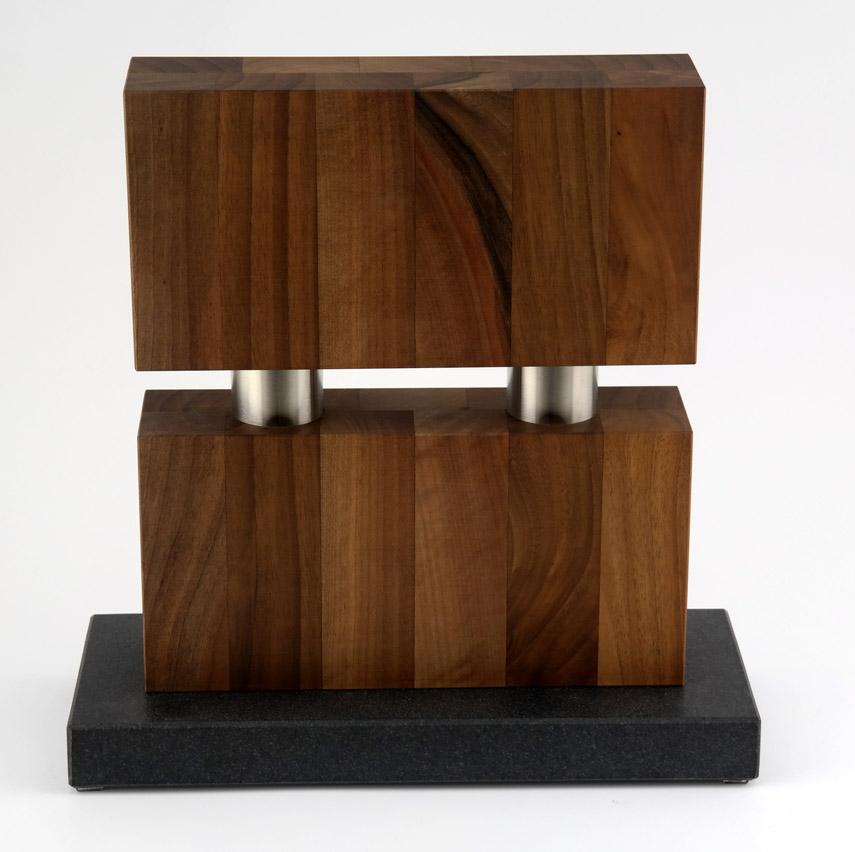 » magnetmesser » The-Brige-Nussbaum-Messerbl.jpg