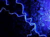 lichtfaeden-wand.jpg